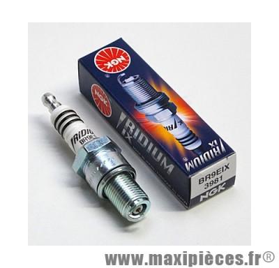 bougie iridium ngk br8eix pour la majorité des moteurs a refroidissement liquide de configuration plus performante (bougie longue)